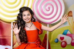 веселая девочка с длинными волосами, фотограф в липецке, фото липецк, фотограф липецк