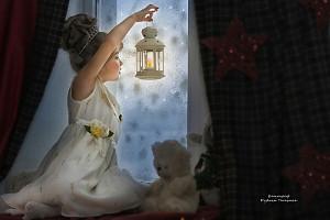 зимняя сказка девочка смотрит в окно, фотограф в липецке, фото липецк, фотограф липецк